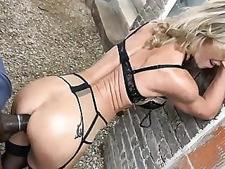 Fucking the old woman under the apartment anal blonde mature