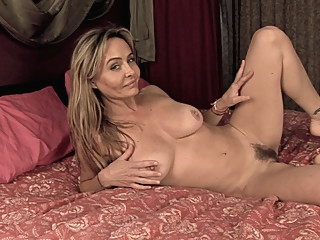 After dancing, Sarah Michaels gets naked in bed  - Compilation - WeAreHairy amateur big clit big tits