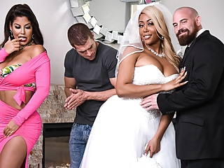 Bridgette B & Moriah Mills & Xander Corvus in Moriahs Wedding Shower - BRAZZERS big ass big tits european
