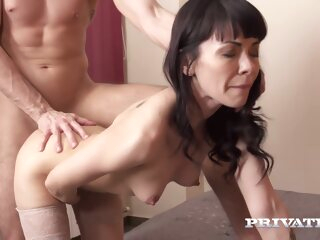 210 S04 Here Nelly Kent anal brunette cumshot