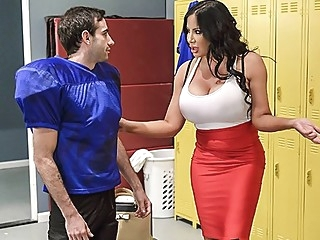 Fat nurse fucked sexy athlete right in the locker room on the bench... big tits milf straight