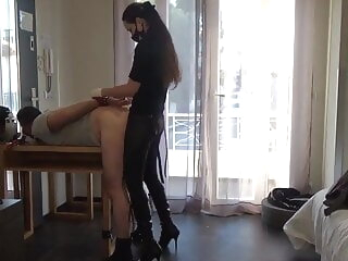 Mistress Andrea Parker sodomizes an stunt woman hardcore masturbation bdsm