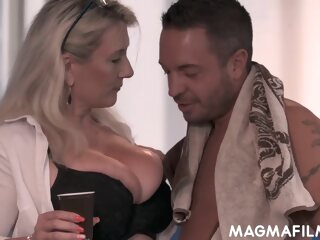 Sandy Big Boobs - Prizefight Makes Love In Hd big tits blonde cumshot